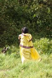 Mujer Ngobe Bugle con su vestido tradicional